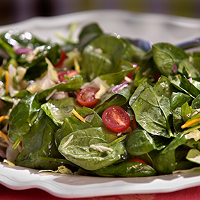 Are Restaurant Salads Really Healthy?