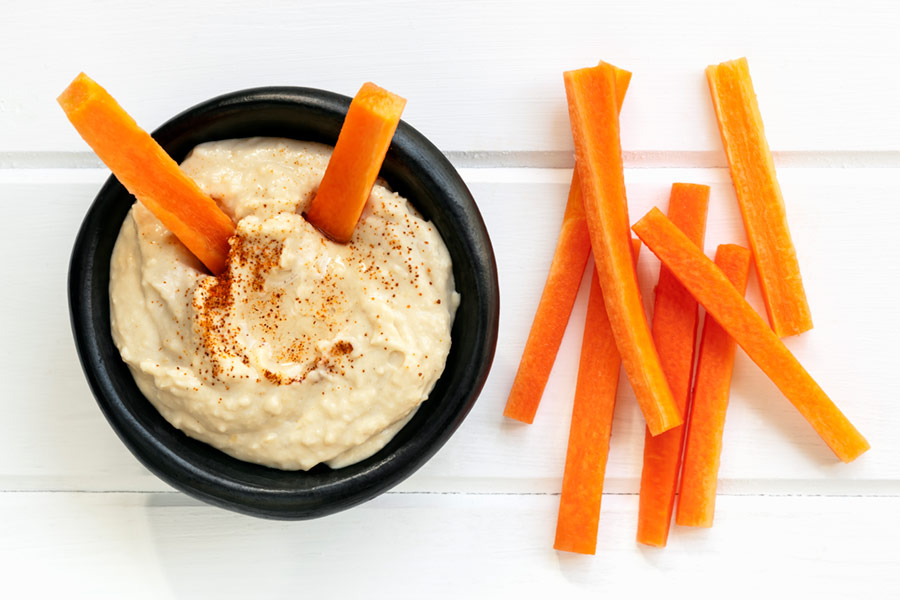 Hummus with Carrot Sticks