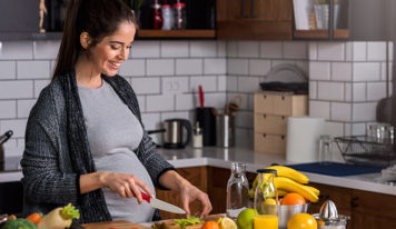 Balancing a healthy diet before, during and after pregnancy